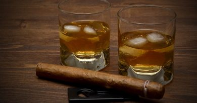 2 glad med Whiskey