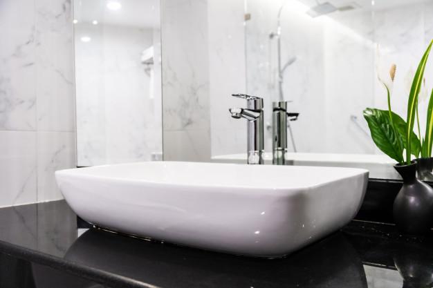 Vandhane på badeværelse